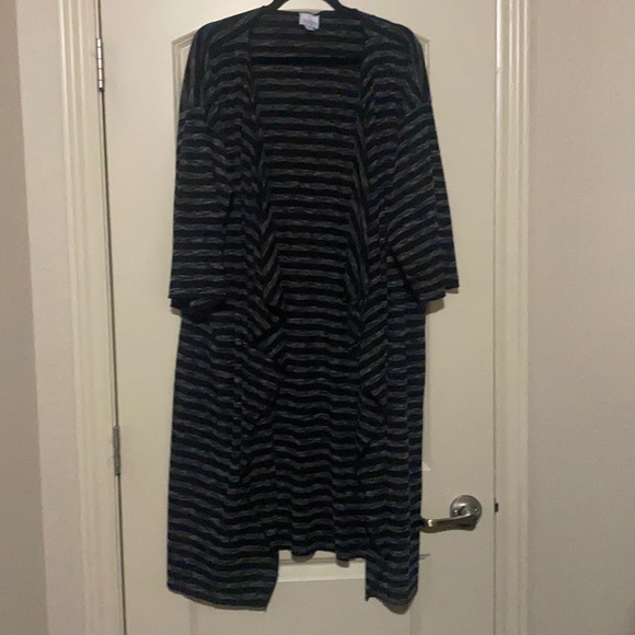 Lularoe Monroe Kimono black and grey size Large